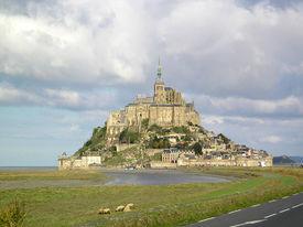 275px-Mont_Saint-Michel_France